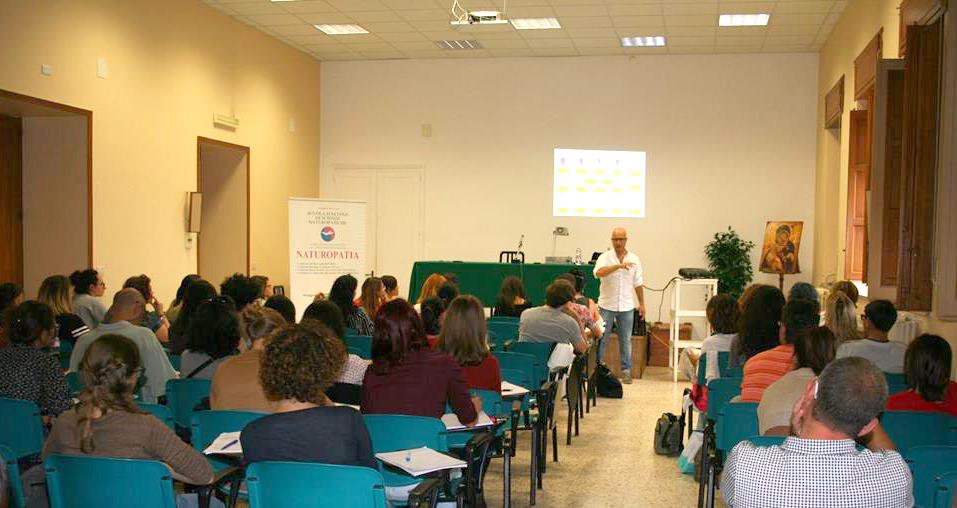 A lezione di PNEI (Psico Neuro Endocrino Immunologia) con il Dr. Alfio Trovato.