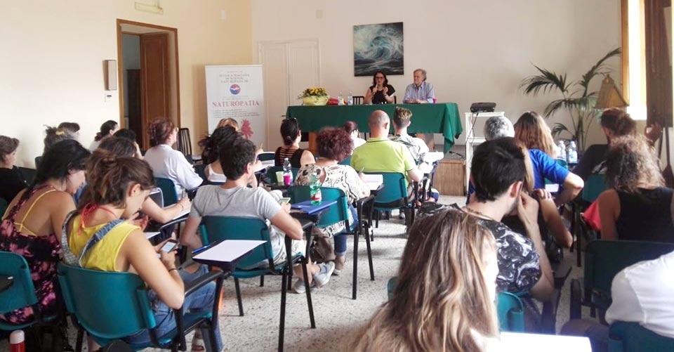 """Corso di formazione estivo residenziale di """"Naturopatia Geriatrica"""" - Catania."""